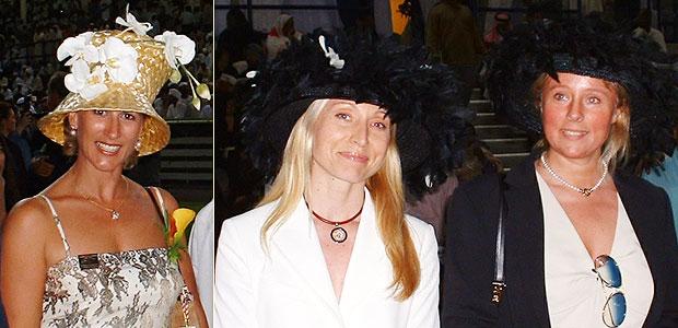На конные скачки в Дубае дамы приходят в шляпках